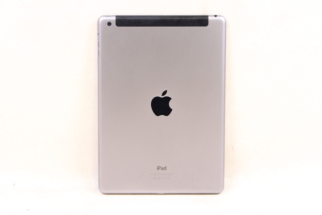 iPad Air Wi-Fi + Cellular 16GB スペースグレイ 【au】(25877、02) 拡大
